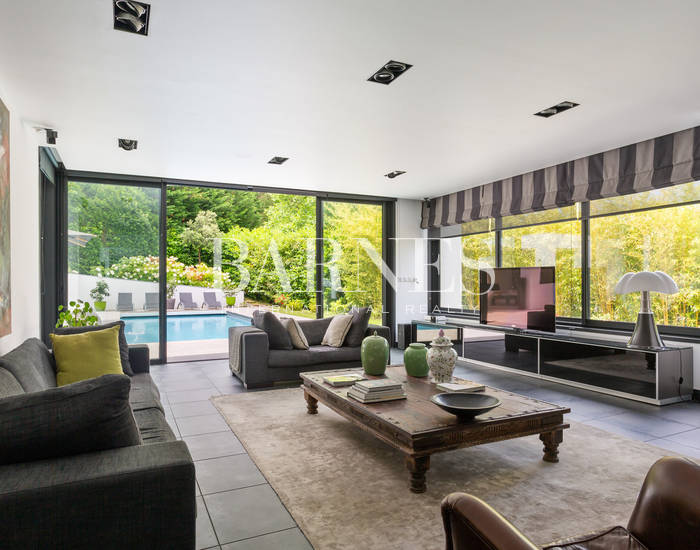 SAINT JEAN DE LUZ, BEAUTIFUL CONTEMPORARY HOUSE WITH POOL
