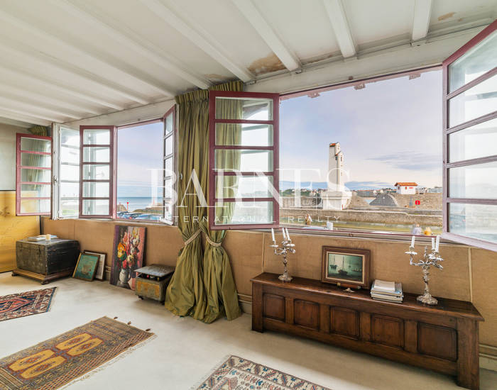 CIBOURE, APARTMENT WITH A BEAUTIFUL VIEW OF SAINT JEAN DE LUZ BAY