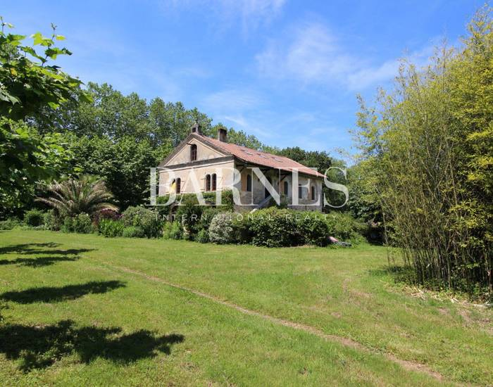 10 MINUTES FROM BAYONNE, CHARMING PROPERTY FOR SALE IN GROUNDS OF 6 ACRES