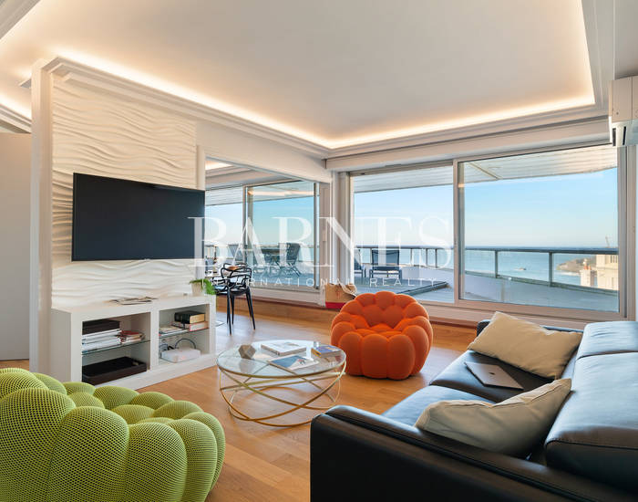 MIRAMAR - APARTMENT WITH TERRACE, OCEAN AND LIGHT HOUSE VIEW