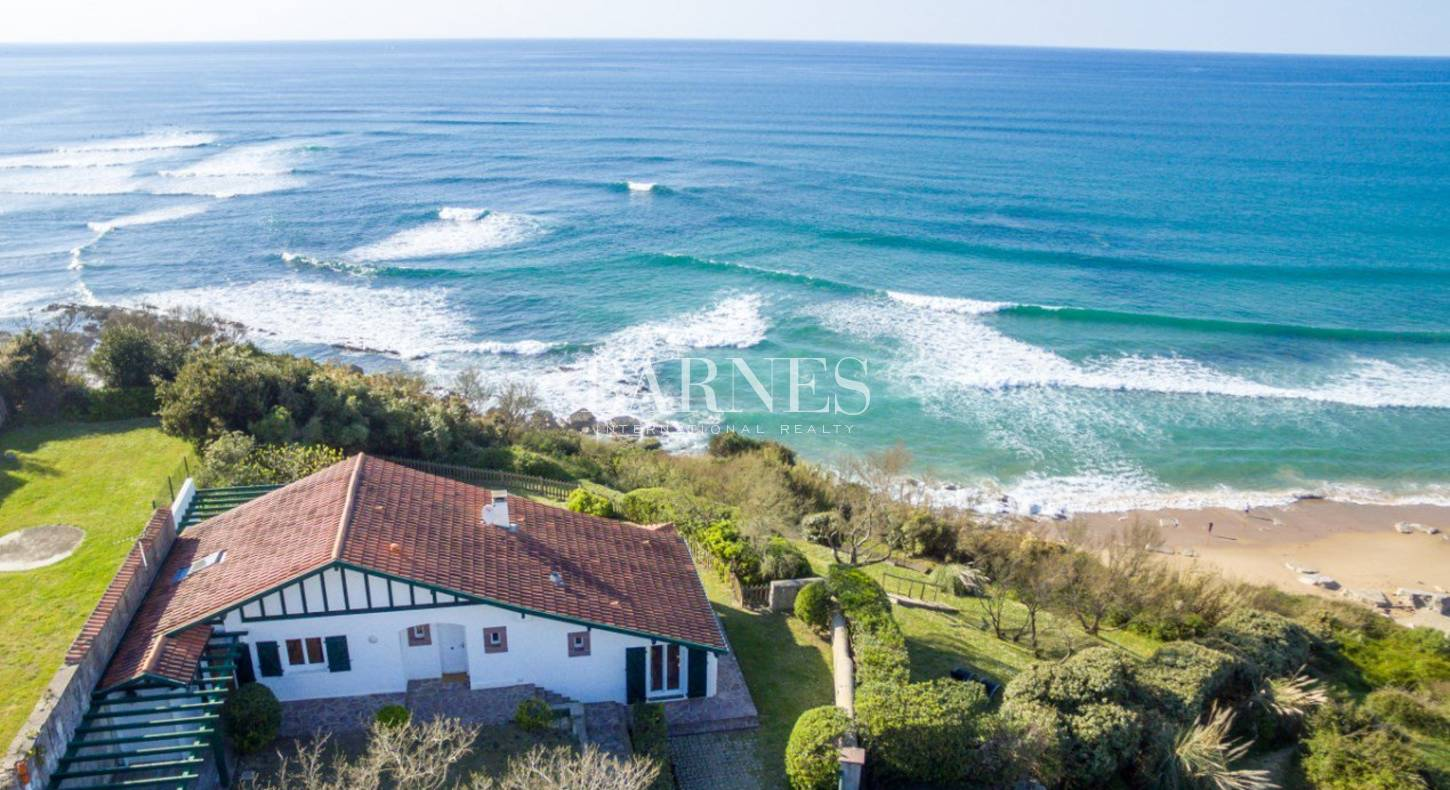 seafront house for sale in bidart