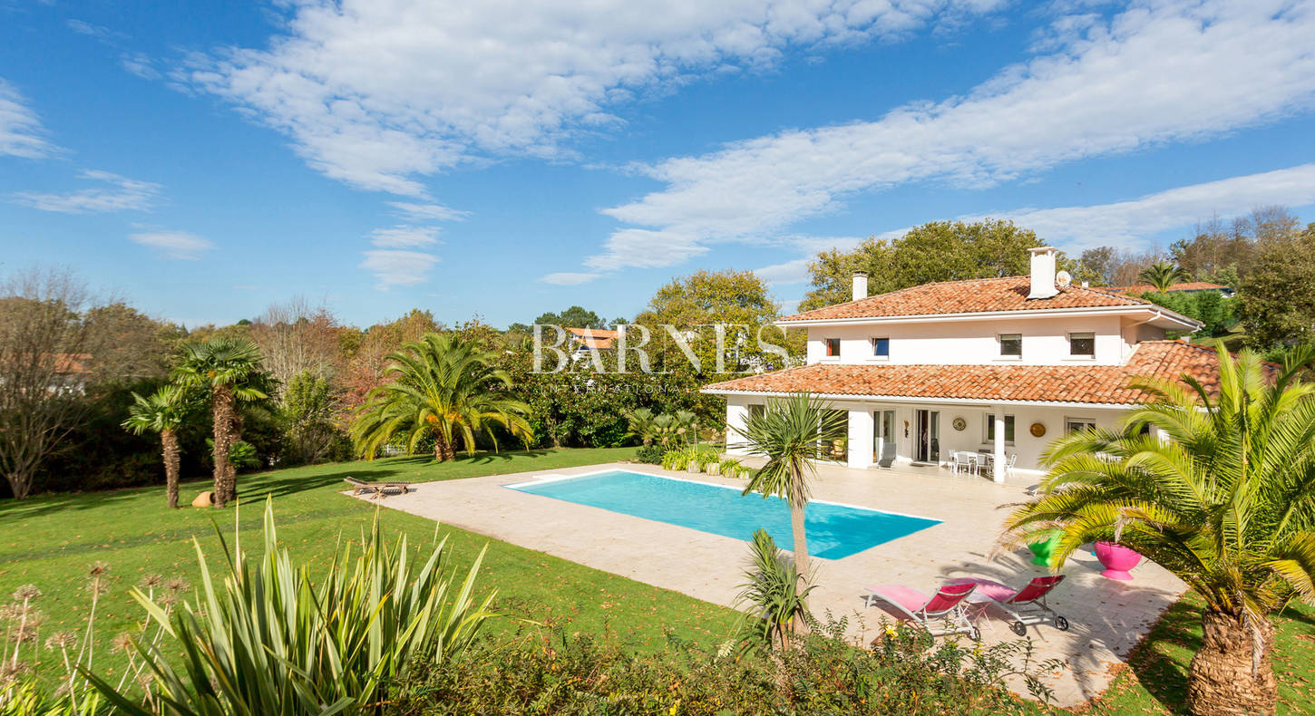 house for sale with swimming pool saint jean de luz