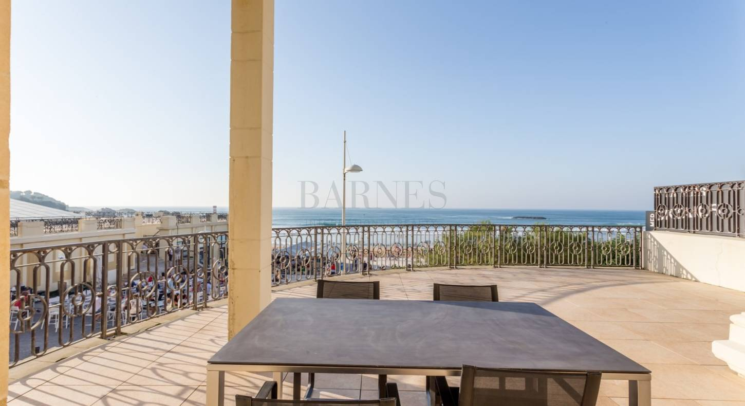luxury apartment biarritz in front of the grande plage