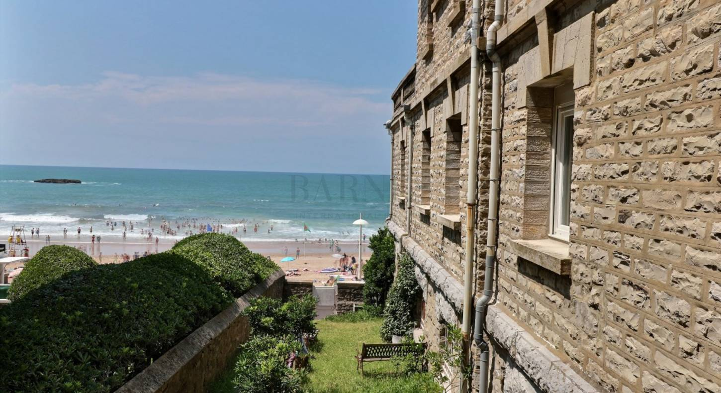 apartment in Biarritz with private access to the beach of Miramar
