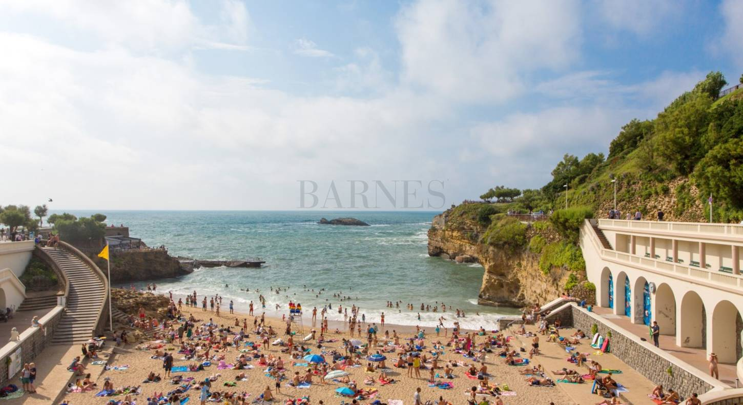 sea front apartment at the beach of Port Vieux in Biarritz