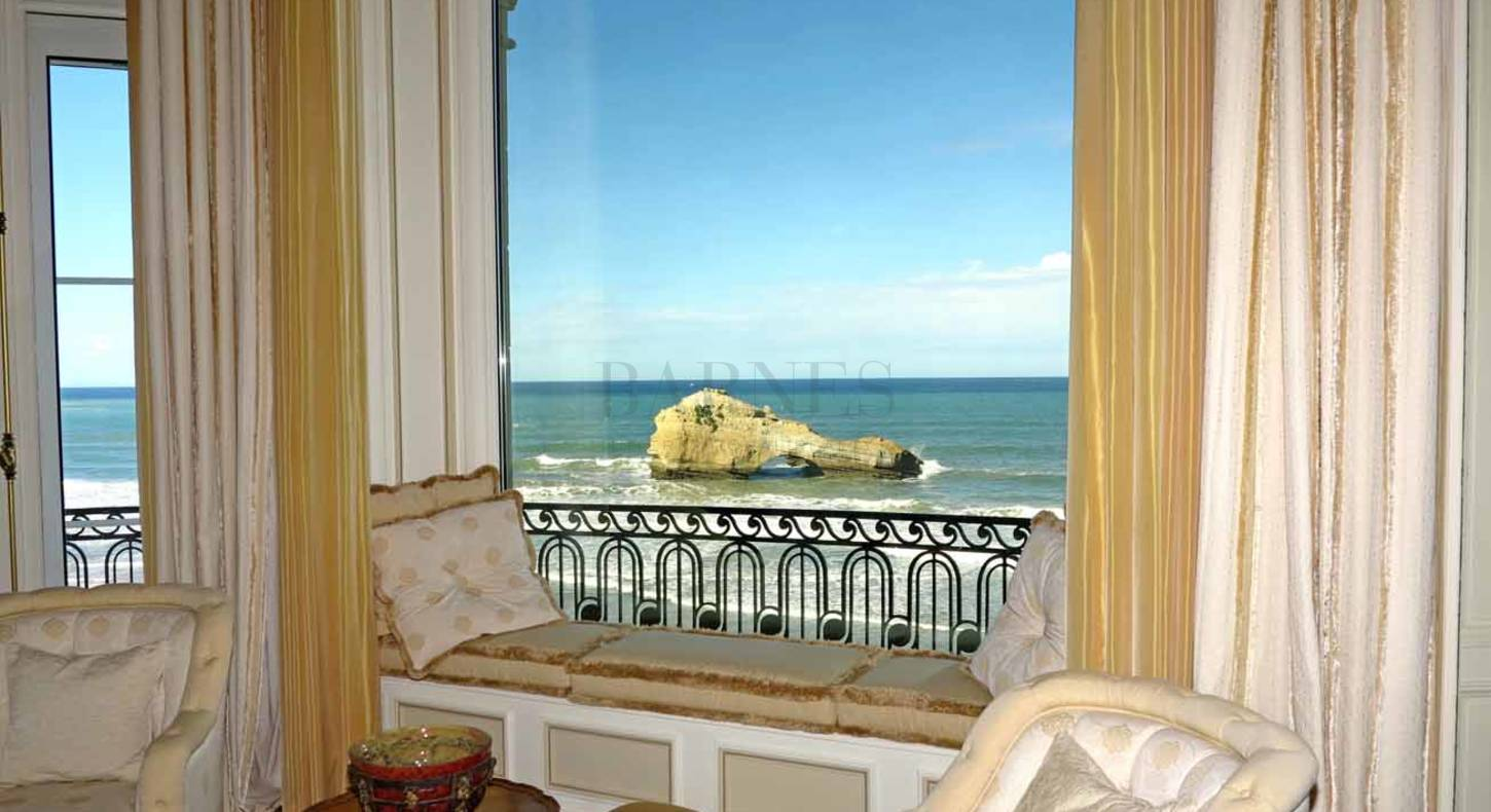 Exceptional 486m2 apartment in Biarritz with ocean view